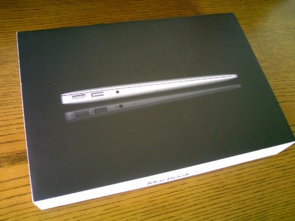 11インチ新型MacBook Air (Late 2010)レビュー!- 開封の儀編 –