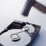 HDD・SSDの厳密なデータ完全消去は物理破壊しか方法はない。ソフトを使った上書きだけでは不十分!